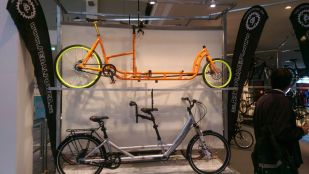 Long Harry CrMo Steel und Pedalpower Deep Detachable auf dem Messestand der Eurobike