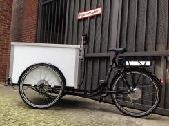 Lastenfahrrad / Transportrad mit großer Kiste