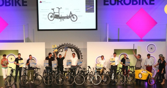 Testsieger unter sich: Die ausgezeichneten Preisträger werden seitens ExtraEnergy auf der Eurobike 2015 geehrt