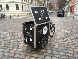 Amarak Berliner Lastenrad eat side von Pedalpower