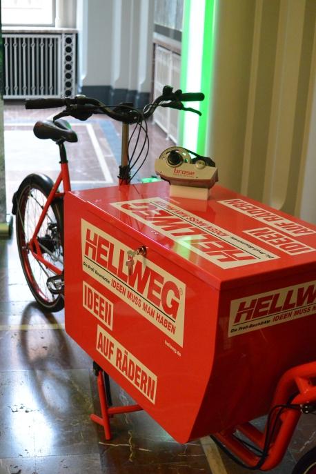 Pedalpower eHarry brose Crmo special edition in CrMo Stahl Load 100kg + Fahrer mit Messenger-Transportbox für HELLWEG Baumarkt
