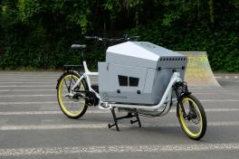 Viele Optionen bietet die multifunktionelle Transportbox Giglio Ragazzi, hier als Hundetransportbox